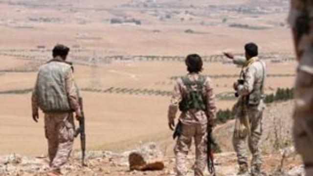 Suriye ordusu ve YPG Rakka'ya girdi !