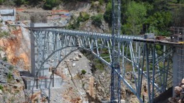 Ak Köprü Ağustos'ta tamamlanıyor