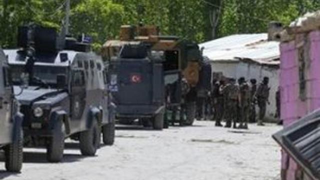 Van'da 2 PKK'lı öldürüldü.
