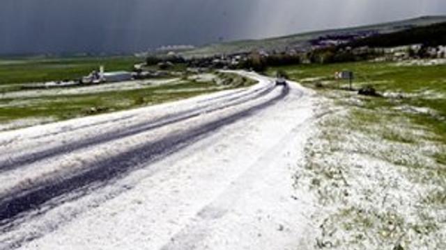 Haziran'da kar yağdı, bu manzara çıktı !