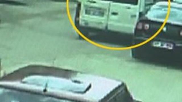 Muş'ta ele geçirilen bomba yüklü minibüsün görüntüleri