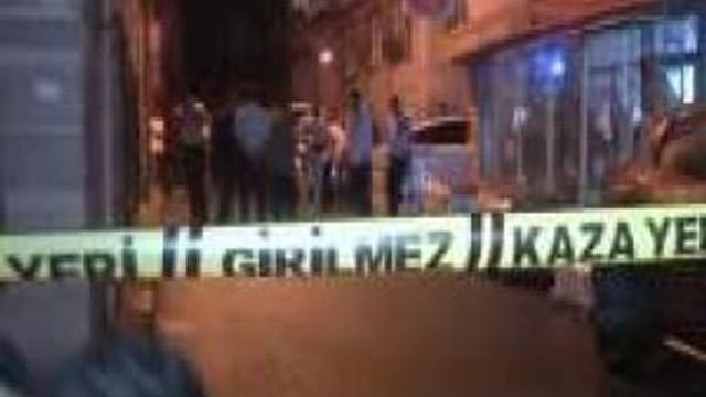 Gece yarısı çatışma: 1 polis yaralı