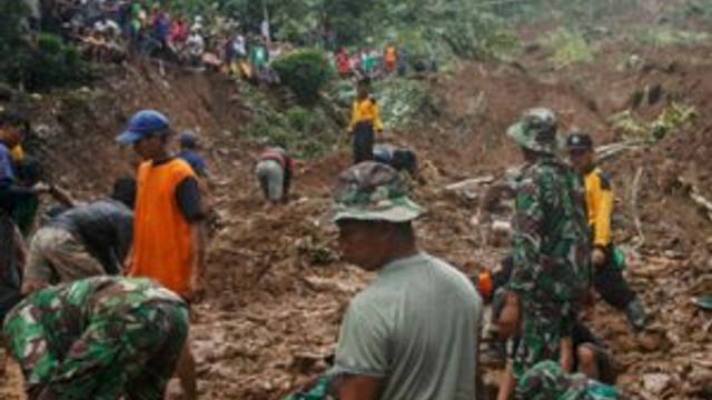 Toprak kayması can alıyor: 24 ölü 26 kayıp