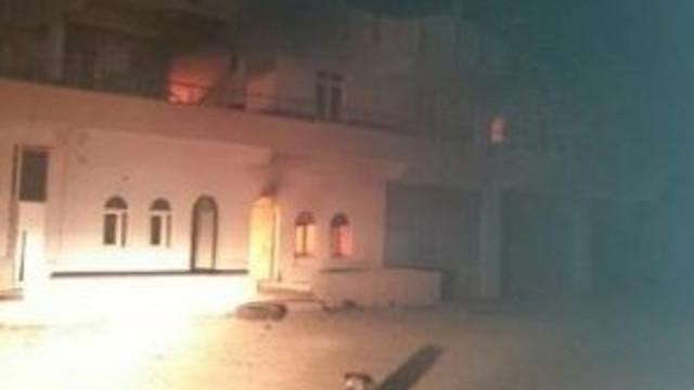 Evi söndürmeye gelen itfaiyeye ateş açtılar