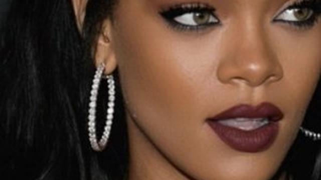 Rihanna'ya büyük şok !