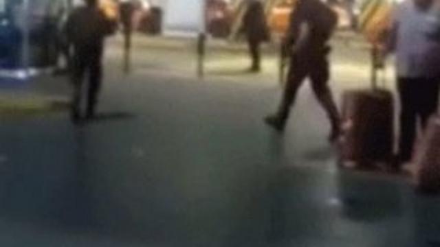 Atatürk Havalimanı patlama anı kameralarda !