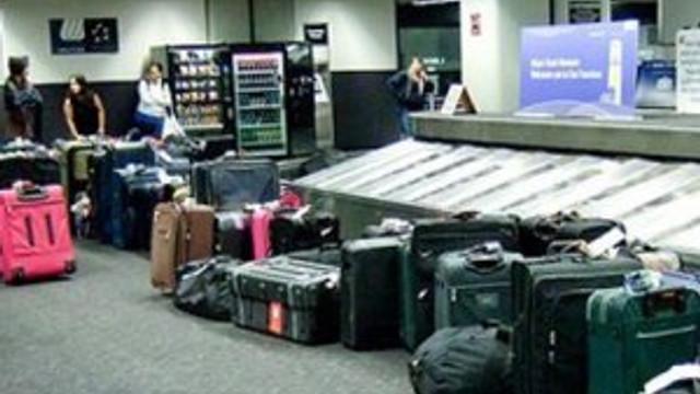 Yüzlerce valiz sahipsiz kaldı