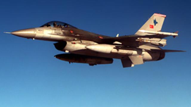 IŞİD hedeflerine bomba yağdı !