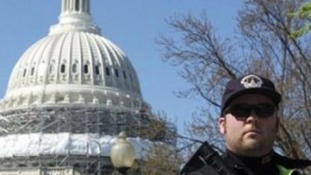 ABD Kongresi'nde güvenlik alarmı: Kapılarınızı kilitleyin !