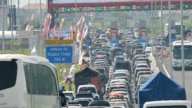 12 kişi trafikte hayatını kaybetti