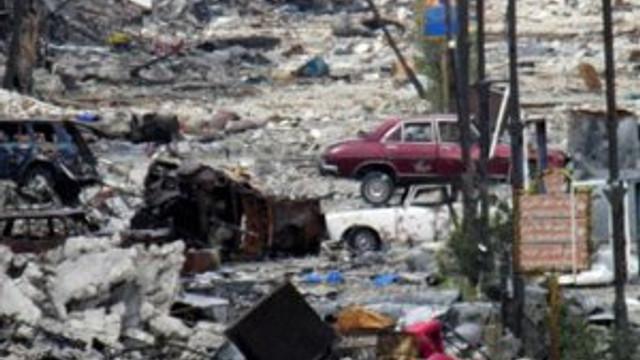 Suriye uçakları Türkmenleri bombaladı