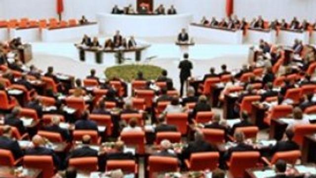 TBMM'de tarihi toplantı: Darbe teşebbüsüne karşı tek ses