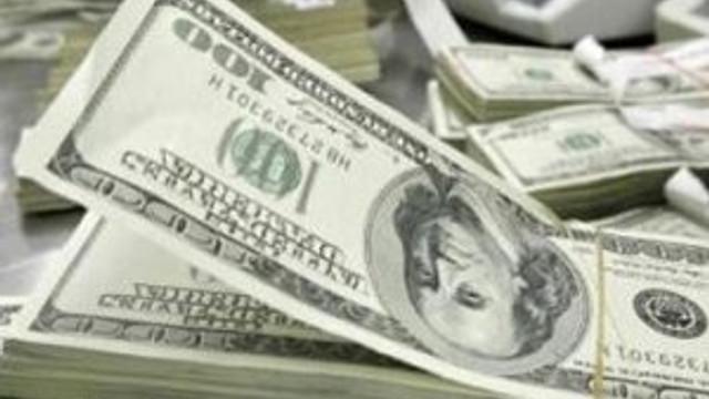Dolar kritik eşikte, euro 3,30 lirayı aştı