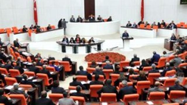 Meclis'te darbe operasyonu: 30 isim açığa alındı