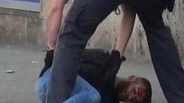 Palalı saldırganı Türk genci durdurdu