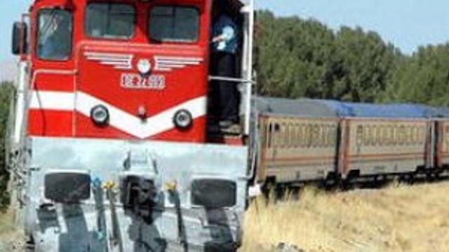 PKK'lılar yük trenine saldırdı