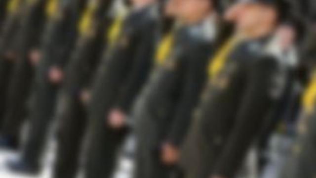 Askeri okullar kapatıldı !