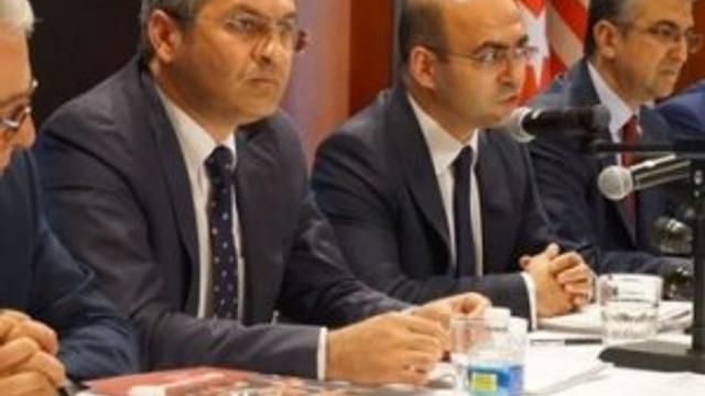 Vekiller ABD'de Gülen'in peşinde