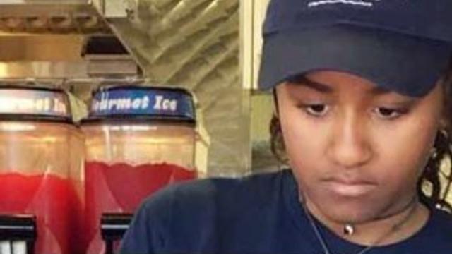 ABD Başkanı Obama'nın kızı lokantada çalışıyor