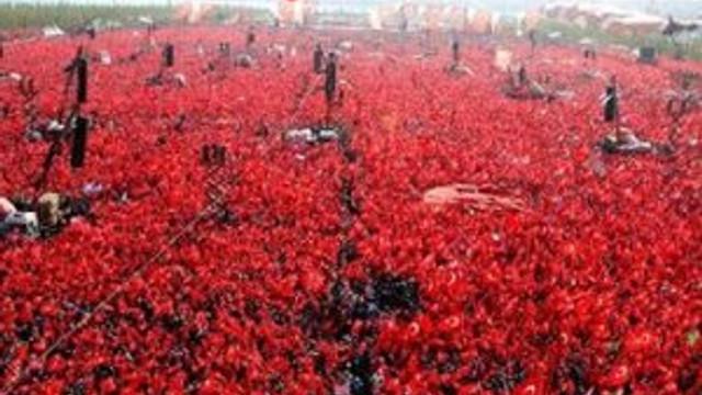 Yenikapı'daki tarihi mitinge kaç kişi katıldı ?