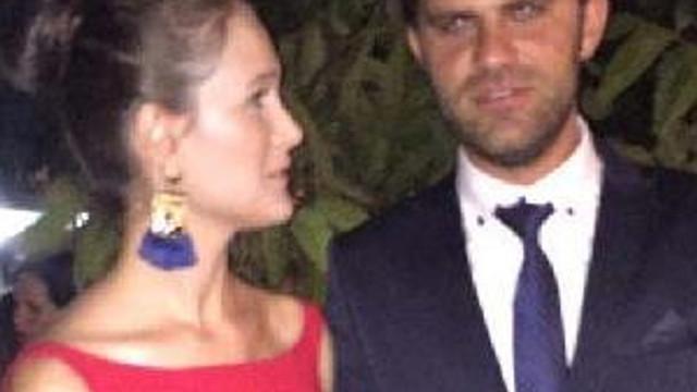 Düğün evinden altınları çalan kadın kameraya yakalandı