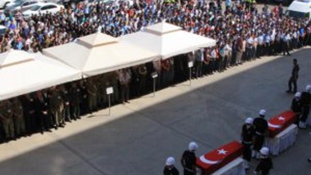 Diyarbakır şehitleri memleketlerine uğurlandı