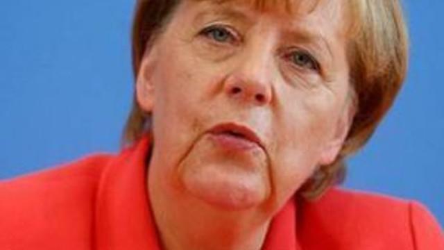 Merkel'den burka açıklaması