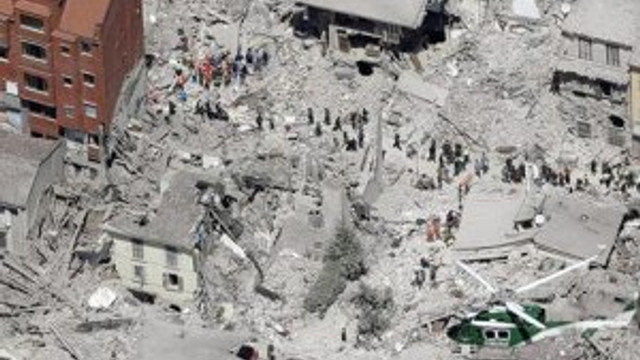 İtalya'da deprem: Ölü sayısı 247'ye yükseldi
