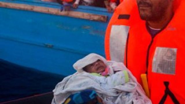 Bir günde binlerce sığınmacı kurtarıldı