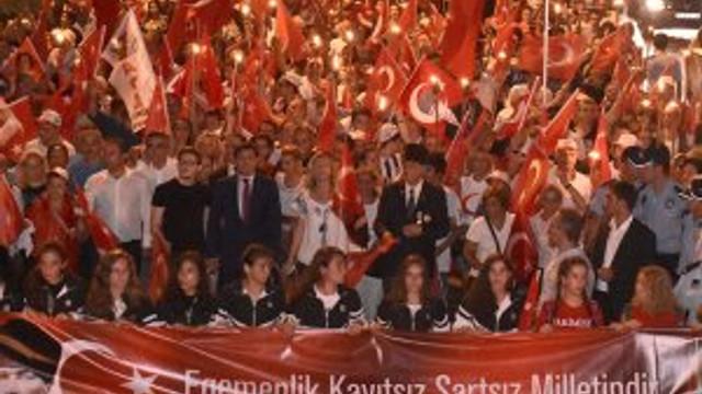 Zafer Bayramı için onbinler Beşiktaş'ta buluştu