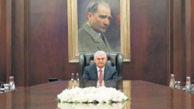 İçişleri Bakanı Ala görevi bıraktı yerine Soylu geldi