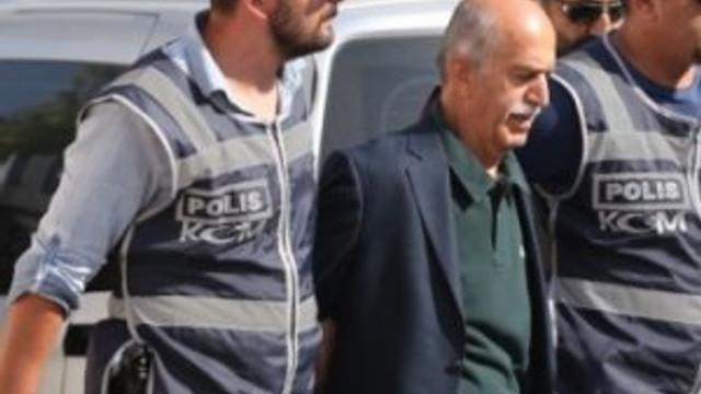 Boynundan Gülen'in muskası çıktı