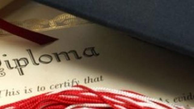 Son kararname 158 kişinin diplomasını yaktı !