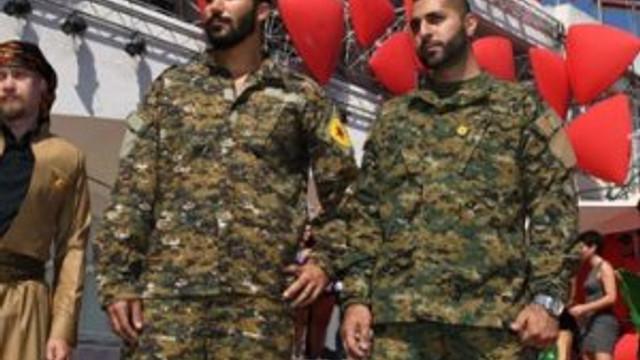 Skandal ! Venedik'te YPG propagandası