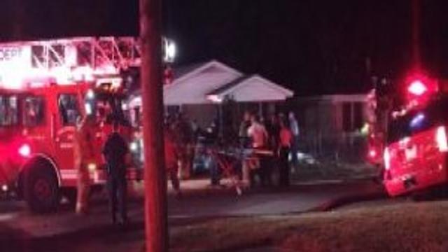 Tek katlı evde yangın: 9 ölü 1 yaralı