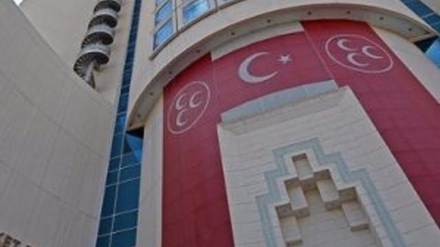 MHP'de flaş karar: 3'ü birden ihraç edildi !