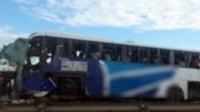 TEM'de otobüs devrildi: 1 ölü, 32 yaralı