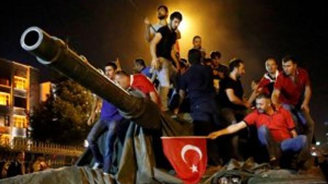 O gece İstanbul Emniyet Müdürü darbecilere öyle bir seslendi ki...