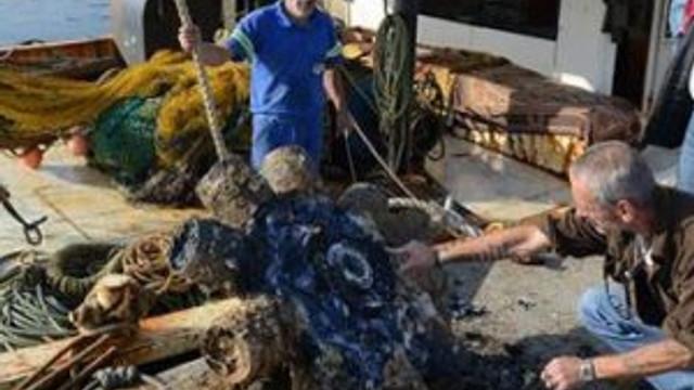 Balıkçıların ağına öyle bir şey takıldı ki...