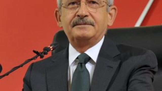 CHP'li başkan Kılıçdaroğlu'nun çelengini kaldırttı