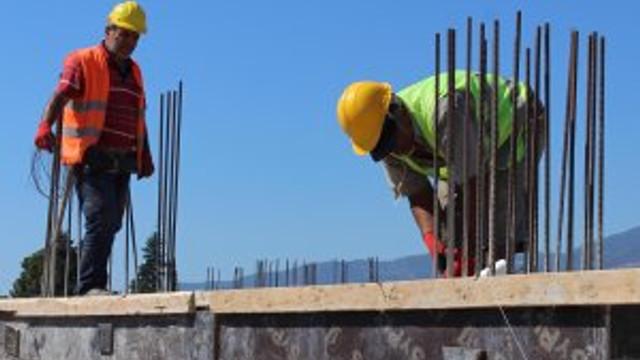 Finike modern bölge hali inşaatı hızla sürüyor