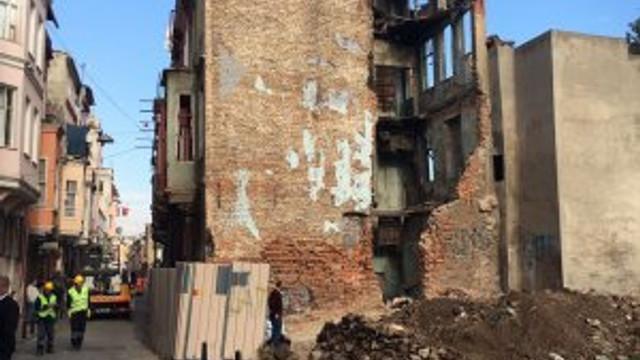 Fener'de büyük yıkım