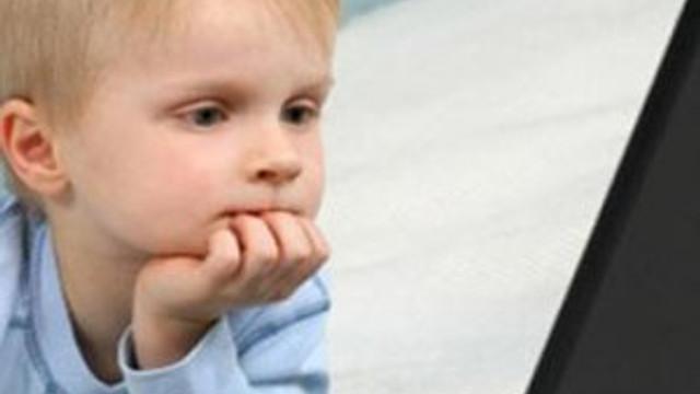 Çocuklar tablet, televizyon ve bilgisayar karşısında ne kadar kalmalı?