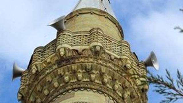 Cami minaresini hatıra olarak almışlar !