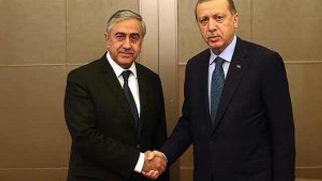 Cumhurbaşkanı Erdoğan KKTC Cumhurbaşkanı ile bir araya geldi