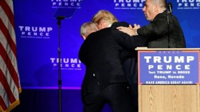 Trump kürsüden indirildi !