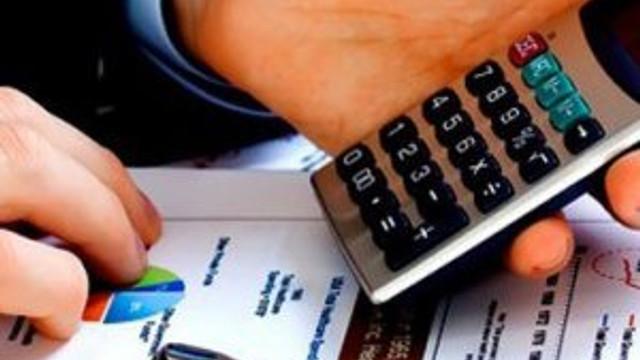 Milyonlarca vatandaşa müjde: Kredi faizleri yarı yarıya düştü !