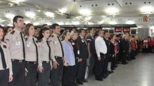 Atatürk Havalimanı'nda hayat durdu