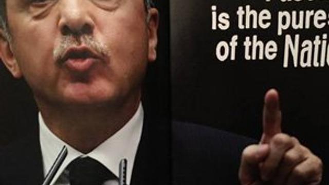 Hadlerini iyice aştılar: Erdoğan'a bir alçak saldırı daha !