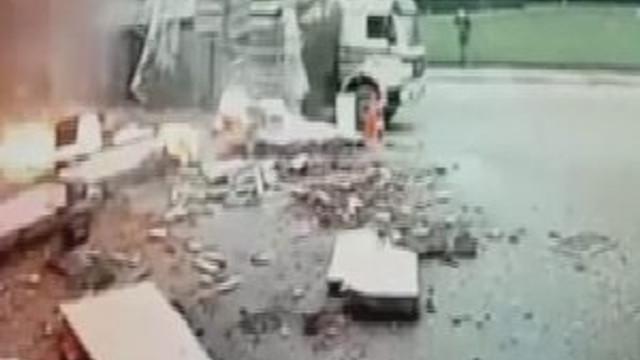 Sultanbeyli'de patlama anı kamerada